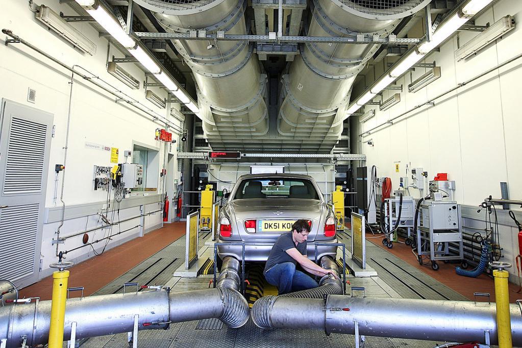 Merkel bremst Automobilentwicklung