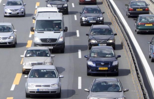 Mit dem Auto in den Urlaub - Deutsche pausieren spät