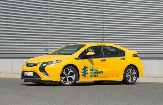 Opel Ampera führt Triathlon-Meisterschaft ins Ziel
