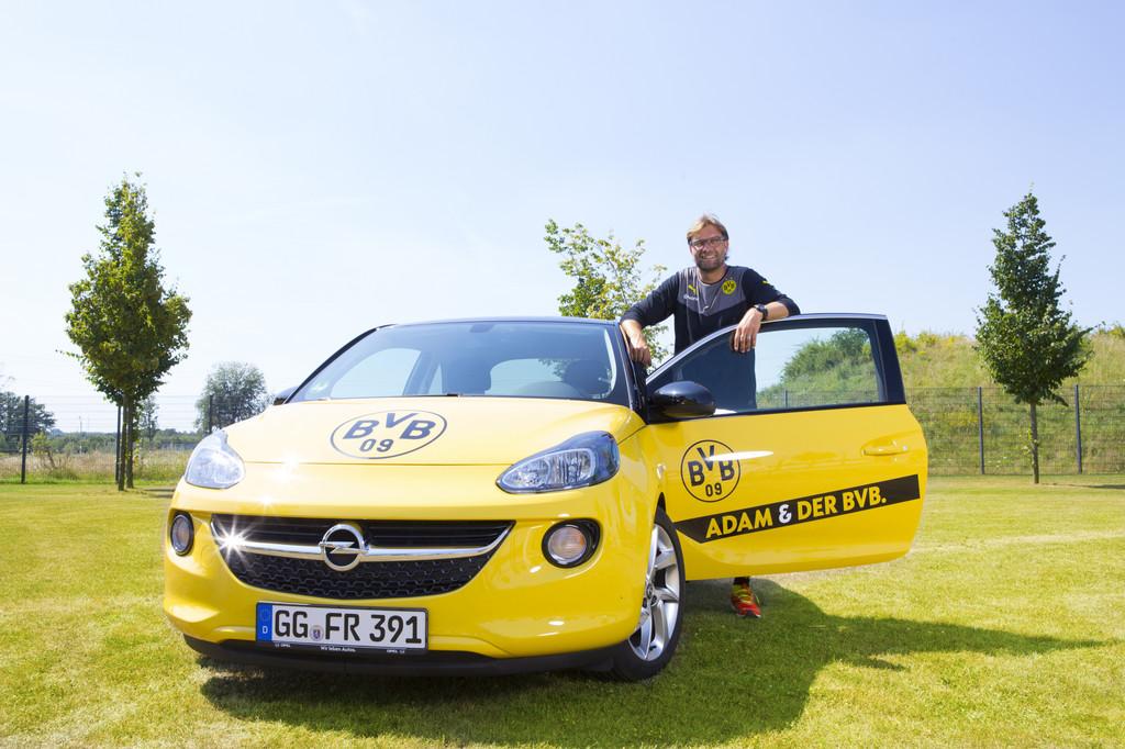 Opel startet mit elf Teams in die Fußballsaison