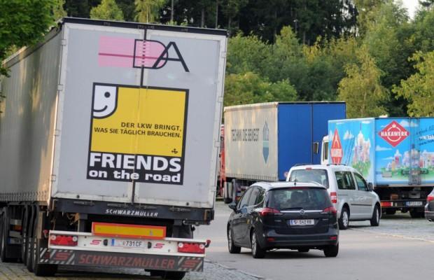 TÜV warnt vor überfüllten Autobahn-Rastplätzen