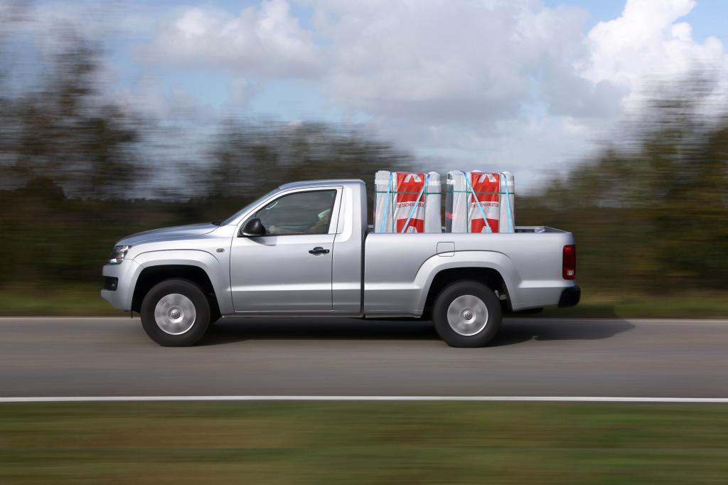 VW verlangt für den Amarok als Zweisitzer 28.453 Euro.