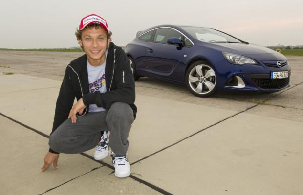 Valentino Rossi fährt Opel Astra OPC