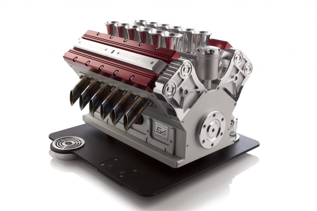Was auf den ersten Blick wirkt wie ein V12-Motorblock, ist eine luxuriöse Espresso-Maschine.