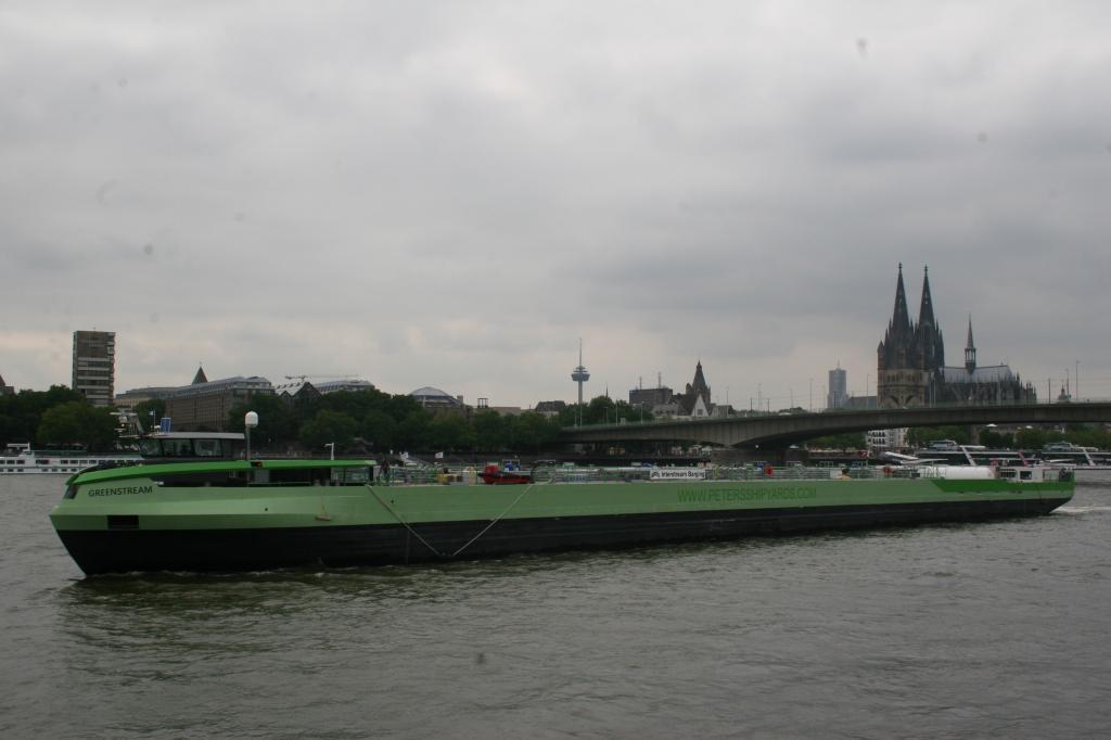 Weltweit einziges Binnenschiff mit Gasantrieb