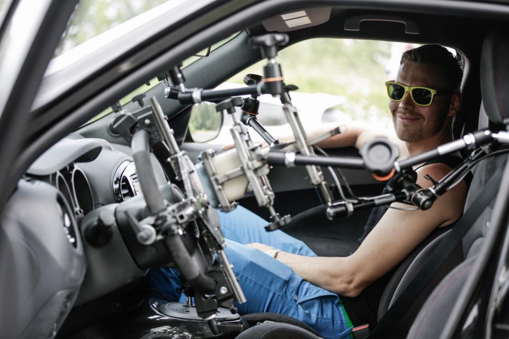 Wie lenkt man ein Fahrzeug fern?