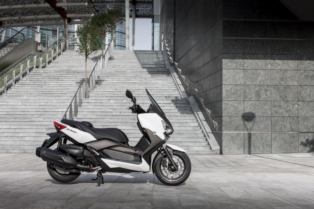 Yamaha X-Max 400: sparsamer Sport-Scooter