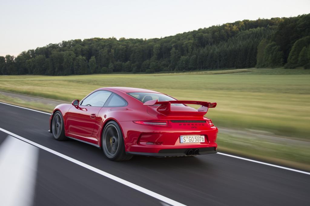 Aktive Hinterradlenkung bei Porsche - Schneller in Kurve – leichter in die Parklücke