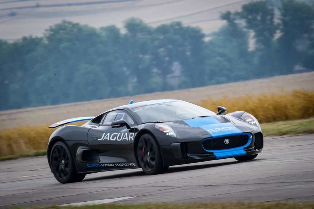 Der Jaguar C-X75 fährt, aber wird nicht gebaut