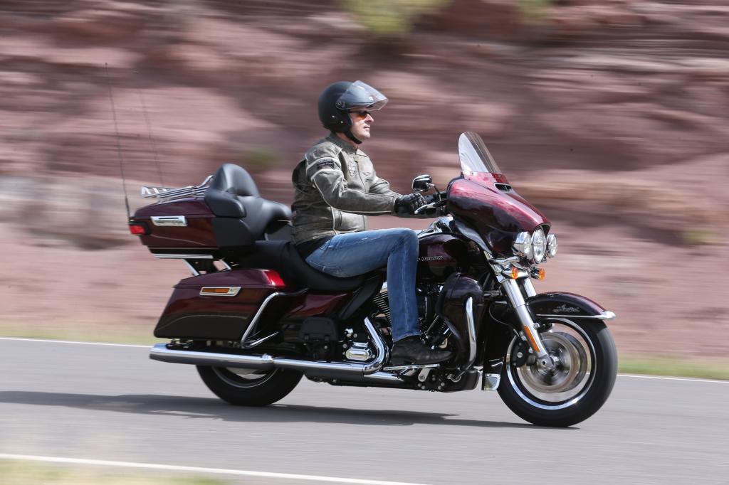 Die massiven Veränderungen betreffen den Antrieb, Fahrwerk und Bremsen, den Fahrkomfort und das Infotainment