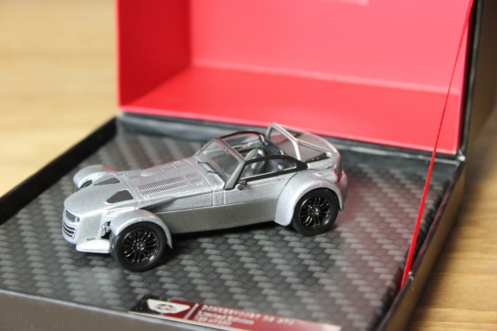 Donkervoort: Roadster für den Schreibtisch