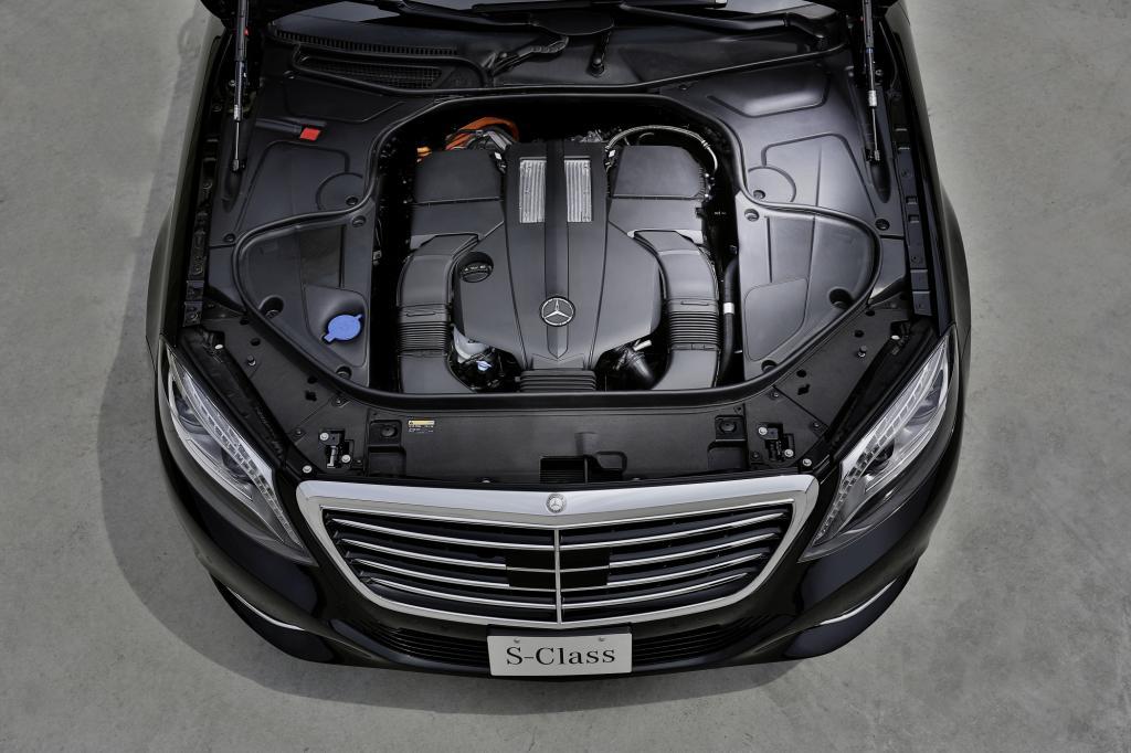 Ein Dreiliter-V6 arbeitet zusammen mit einem Elektroantrieb