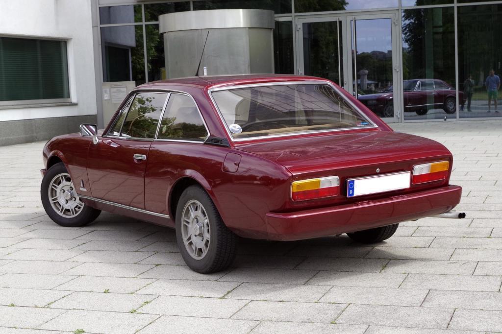 Erst Anfang der Achtziger nahmen die Franzosen den bei Pininfarina entworfenen und montierten Zweitürer vom Markt.