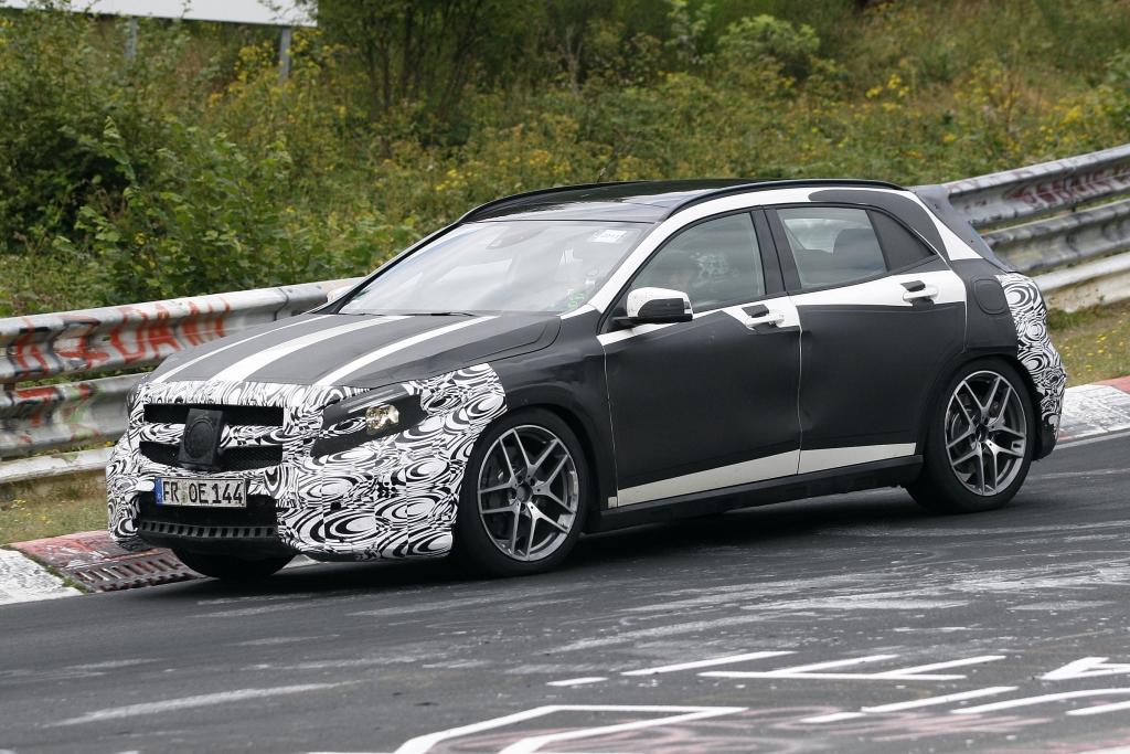 Erwischt: Erlkönig Mercedes GLA 45 AMG – Schnell neben der Spur