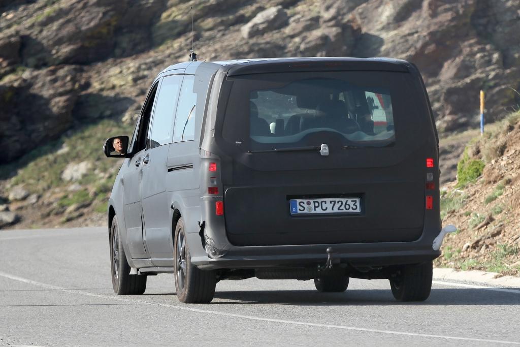 Erwischt: Erlkönig Mercedes Viano – Kein Benzin mehr für den Benz.Bus?