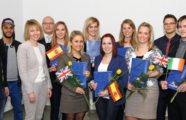 Euro-Management-Nachwuchskräfte starten bei VW