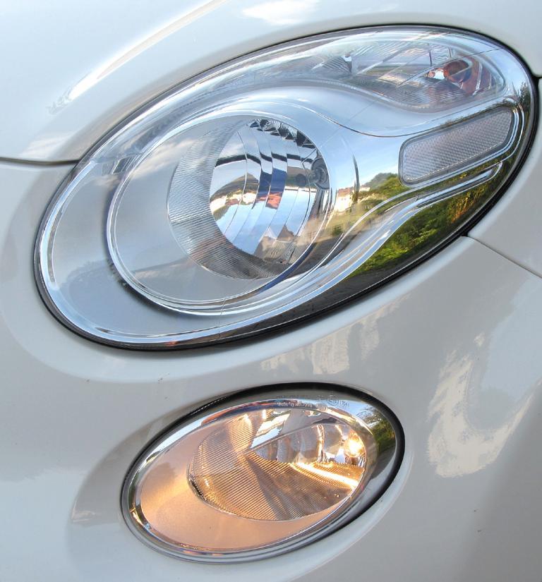 Fiat 500L: Moderne Leuchteinheit vorn.