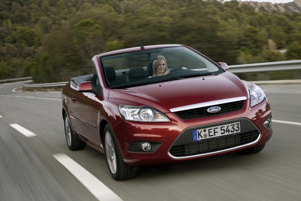 """Ford bot den Kompakten ab 2006 mit dem Zusatz """"CC"""" als Cabrio mit winterfestem Stahl-Klappdach an"""