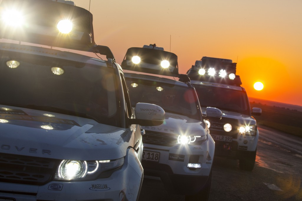 Hella leuchtet Land Rover den Weg