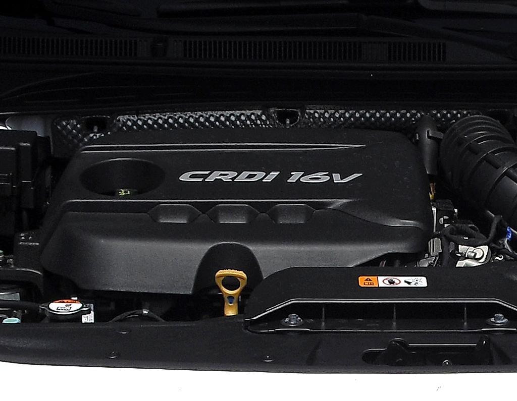 Hyundai i40: Blick unter die Haube auf den 1,7-Liter-Selbstzünder.