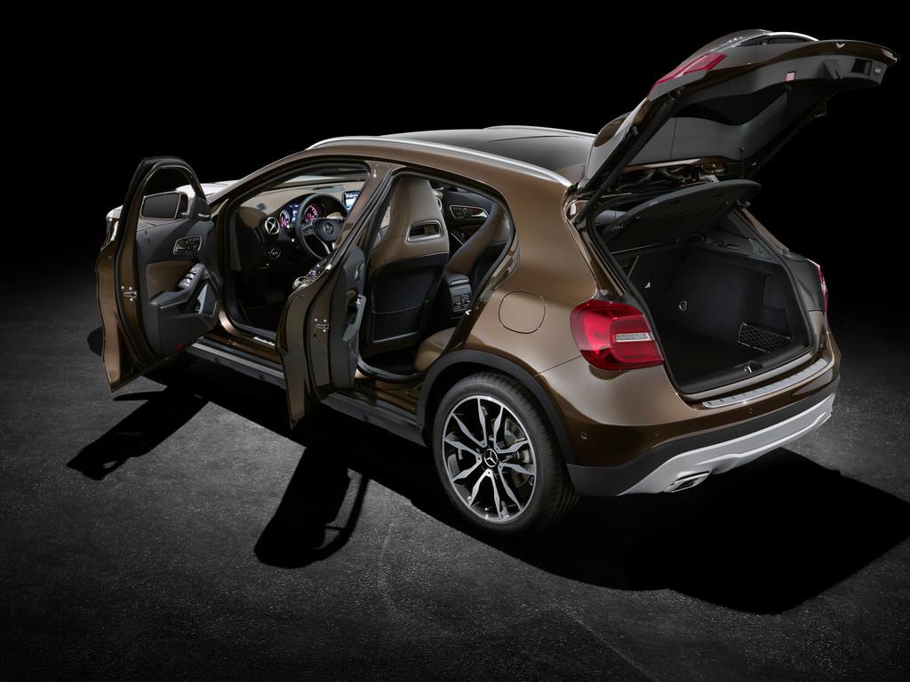 IAA 2013: Mercedes-Benz GLA fährt mit Spitzenwerten vor