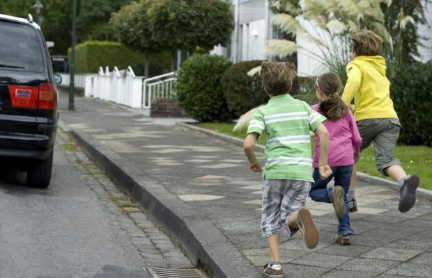 Kinder im Straßenverkehr - Urteil: Elfjährige haftet für Unfall