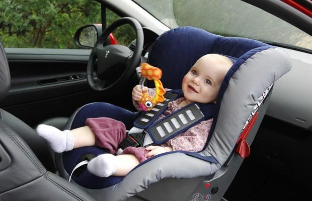 Kinder möglichst lange rückwärts transportieren