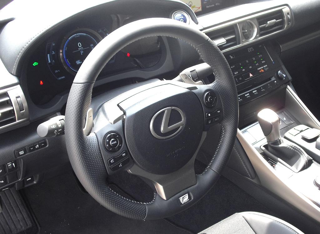 Lexus IS: Blick ins Cockpit.