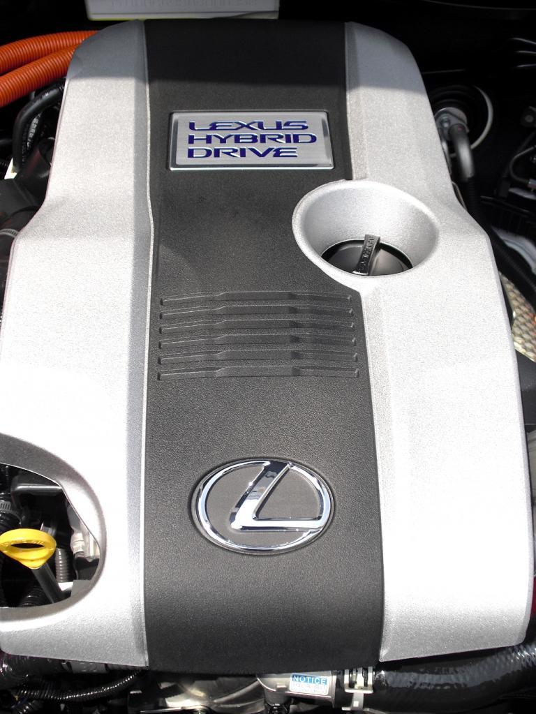Lexus IS: Blick unter die Haube des Hybrid. Alternativ steht ein zweiter Benziner zur Wahl.