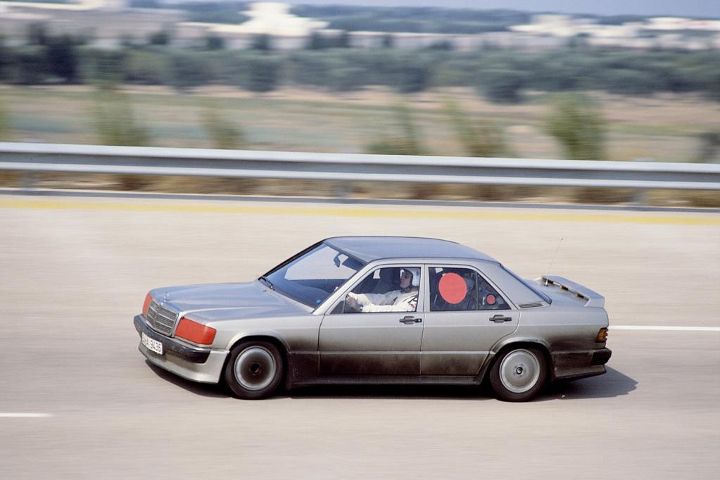 Mercedes 190 E 2.3-16: Weltrekorde für die Weltpremiere