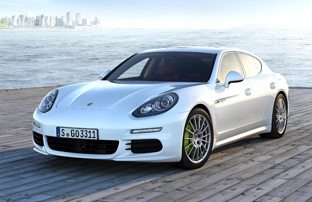 Mit Doppelherz-Kraft: Erste Ausfahrt im neuen Porsche-Panamera-Vollhybrid