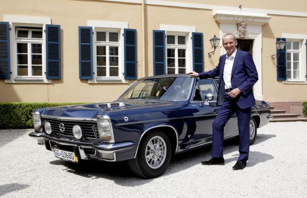 Neumann im Opel Kapitän auf großer Fahrt
