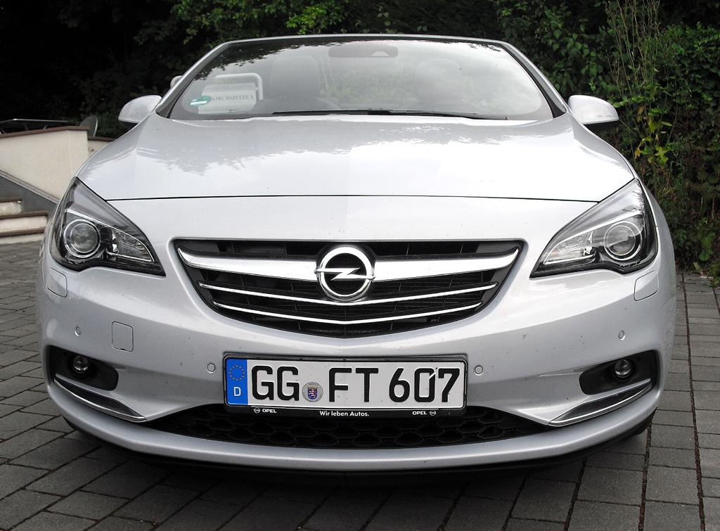 Opel Cascada: Blick auf die Frontpartie.