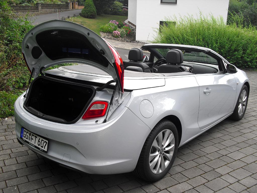 Opel Cascada: Das Gepäckabteil fasst offen 280 bis 650, geschlossen 380 bis 750 Liter.