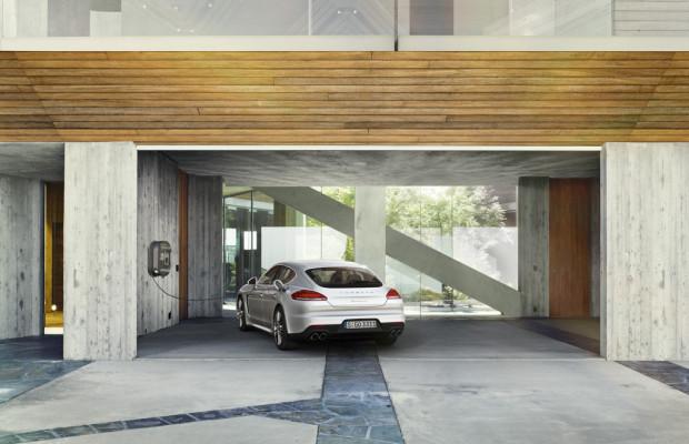 Porsche stellt Hybridflotte für GreenTec-Awards