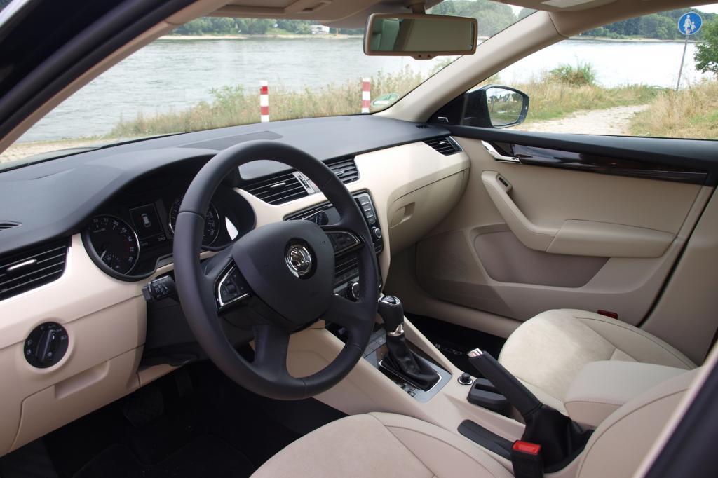 Positionierung der Knöpfe, handschmeichelnde Materialien, komfortable Sitze - gelernt haben die Tschechen von den hierzulande Erfolgreichsten: knapp 22 Prozent Marktanteil hat Volkswagen in Deutschland