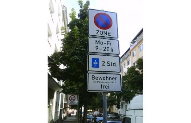 Recht: Parkverbote und Tempolimits - Samstag ist ein Werktag