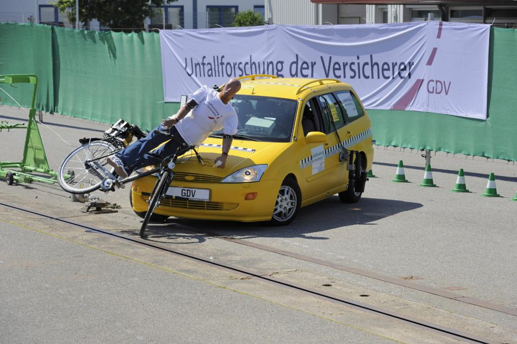 Schulterblick rettet Radfahrer