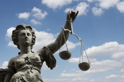 Urteil: Wer ausparkt hat Schuld