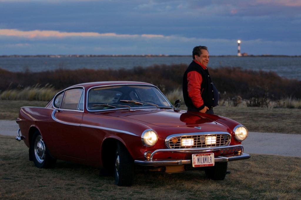 Volvo 1800S von 1966 der Meilen Millionär und sein Besitzer Irv Gordon