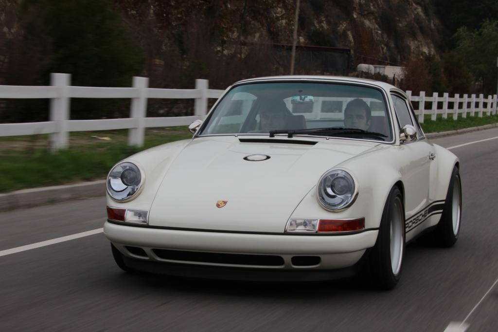 Was diese Begeisterung für eigenartige Blüten treiben kann, zeigen zwei ungewöhnliche Porsche-Liebhaber aus Los Angeles.