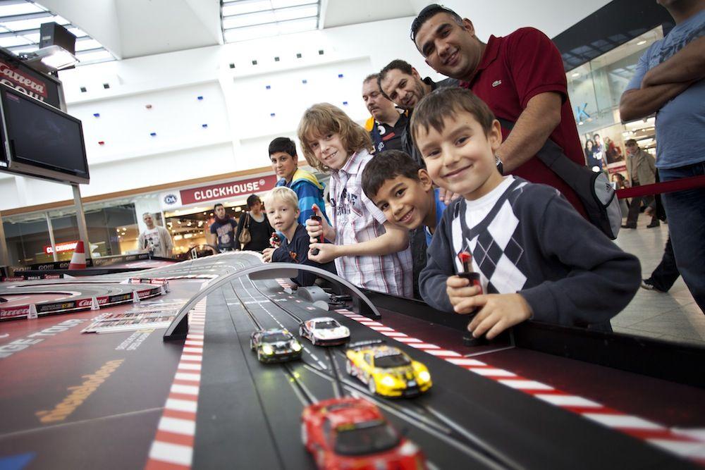 auto.de-Gewinnspiel: Rennauftakt mit der »Evolution DTM Turbo Drift« von Carrera