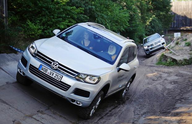50 Ingenieurinnen testen den Volkswagen Touareg