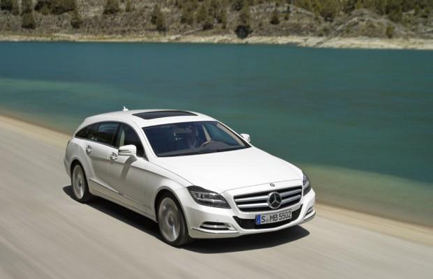 Auto mit QI-Technik lädt Smartphones kabellos