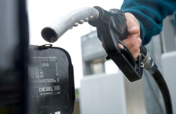 Autofahrer befürworten staatliche Benzinpreis-Kontrolle