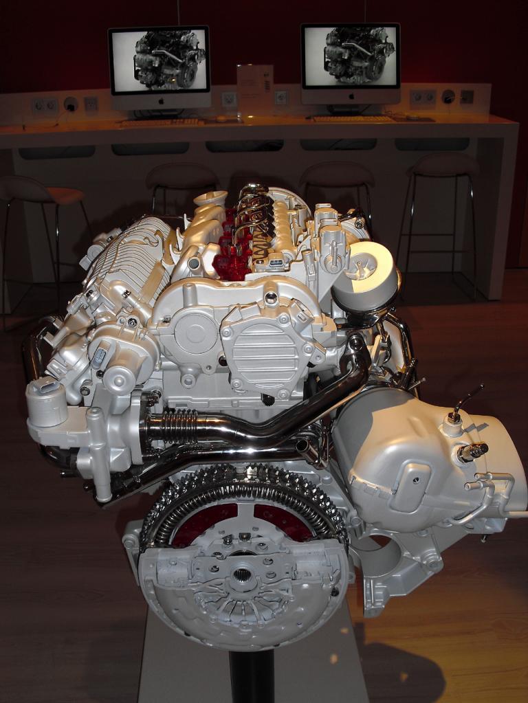 Bei den neuen Vierzylindern handelt es sich um kompakte, leichtere Motoren.