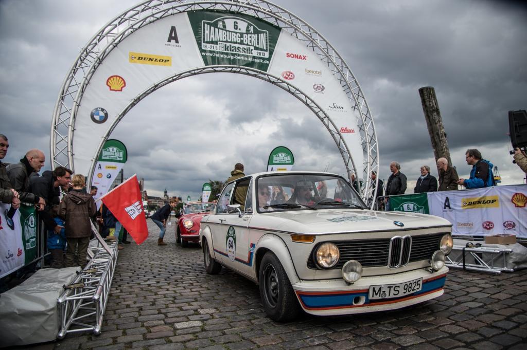 Bei der sechsten Auflage der herbstlichen Rallye durch den Norden war der bayerische Rabauke BMW 2002 Turbo mit von der Partie