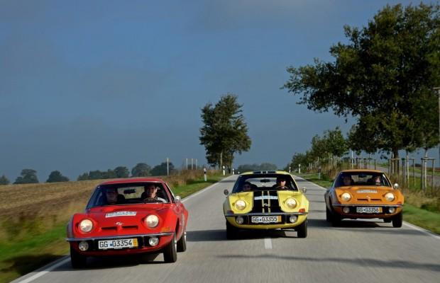 Bobpilot André Lange schafft im Opel GT zweiten Rang bei Oldtimer-Rallye