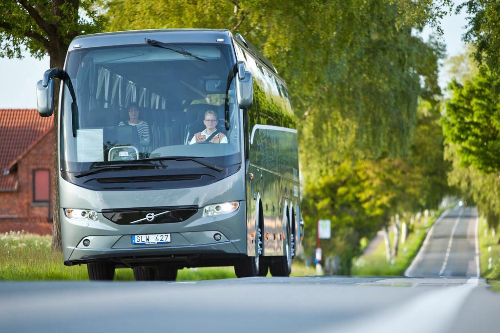 Busworld 2013: Volvo präsentiert seinen Hybrid-Gelenkbus