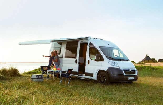 Caravan-Salon 2013: Stützenlose Markise bald auch für Kastenwagen